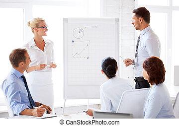 trabalhando escritório, carta aleta, equipe negócio