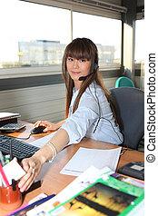 trabalhando mulher, dela, escritório