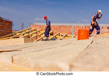 trabalhando, telhado, tripulação, construção, carpinteiros, novo