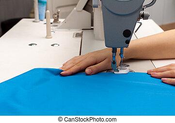 trabalho, em, a, máquina de costura