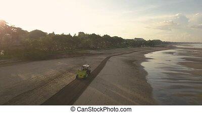 tracteur, plage, nettoyage, kuta