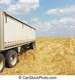 Tractor trailer truck in field. - Tractor trailer truck in ...