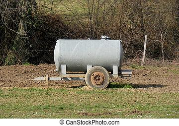 tradiční, zalévání, cisterna, louka, dobytek