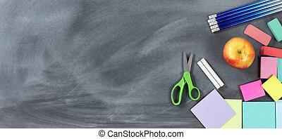 tradicional, escuela, objetos, espalda, pizarra