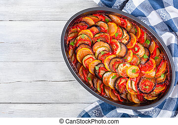 tradicional, francês, vegetal, casserole, ratatouille, vista superior
