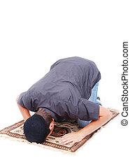 tradicional, hombre, musulmán, manera, rezando