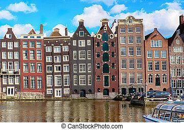tradicional, viejo, edificios, en, amsterdam, el, países bajos