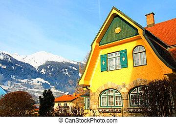 Tradition alpine mountain house(Austria)