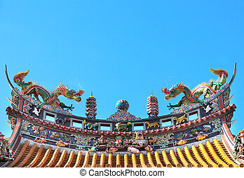 Traditional Chinese dragon statues on the roof, Japan, Asia