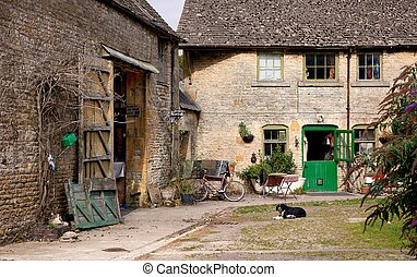 Traditional farm buildings, England - Traditional Cotswold...
