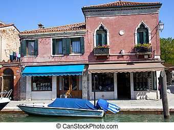 traditional houses in venice italy