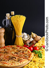 italian food - traditional italian food with pizza, pasta ...