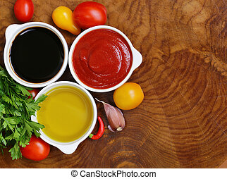 traditional Italian sauces - balsamic vinegar, tomato sauce ...