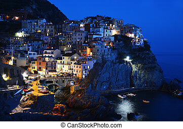 Traditional Mediterranean architecture of Manarola, Italy -...