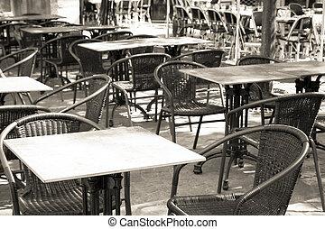 traditional Parisian coffee - Empty coffee terrace in...
