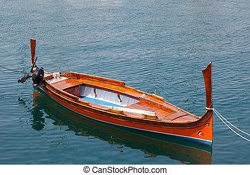 traditional row boat luzzu Malta
