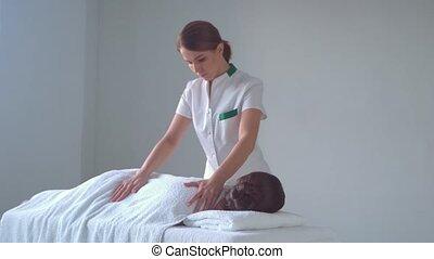 traditionele , vrouw, spa., masserende handen, jonge,...