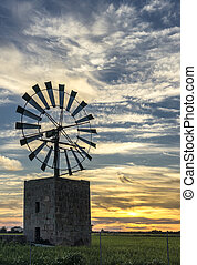 traditionele windmill, in, mallorca, baleaarse eilanden