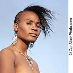 Nelson Mandela att kvarlevorna av den unga kvinnan skulle returneras till Afrika så att hon skulle kunna få en värdig begravning.