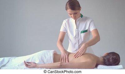 traditionelle , frau, spa., massieren, junger, osteopathie,...