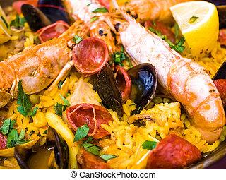traditionnal spanish food paella