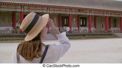 traditionnel, temple, avant, marche, femme, chinois, heureux...