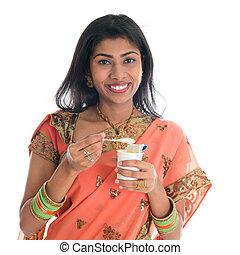 tradizionale, yogurt, donna mangia, indiano