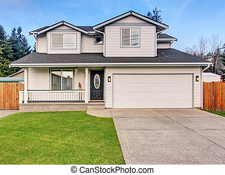 tradycyjny, północno-zachodni, dom, z, driveway.