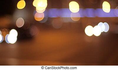 traffic., ciemny, błyszcząc, wieczorny, night., piękny, ruchomy, światła, okrągły, wóz, barwny, miasto, bokeh, noc, mglisto, świecić, tło, city.
