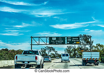 Traffic in 101 freeway in Los Angeles