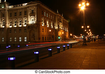Traffic in front of piazza Unit� d\'Italia in Trieste