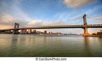 Traffic on Manhattan Bridge