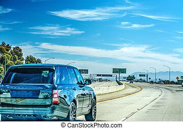 Traffic on Ventura freeway northbound