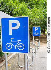Traffic sign for bicycle parking
