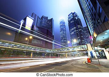 trafic, dans, ville, soir