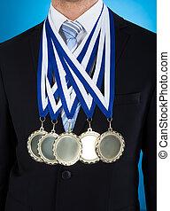 tragen, geschäftsmann, mittelteil, medaillen