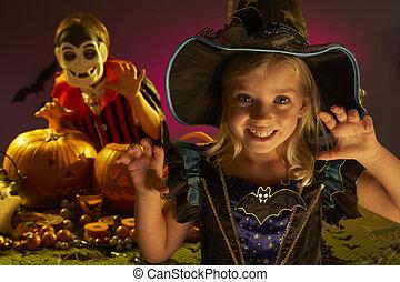 tragen, halloween, kostüme, schrecken, party, kinder