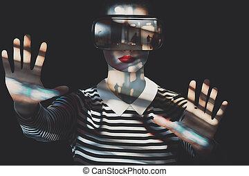 tragen, ungewöhnlich, frau, doppelgänger, concept., virtuelle wirklichkeit, vr, headset., attraktive, goggles., aussetzung