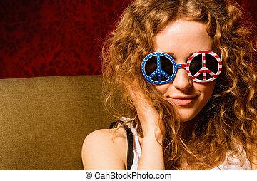 tragende sunglasses, lockig, junger, haar, amerikanische ,...