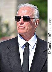 tragende sunglasses, person, älter, leidenschaftslos, hübsch