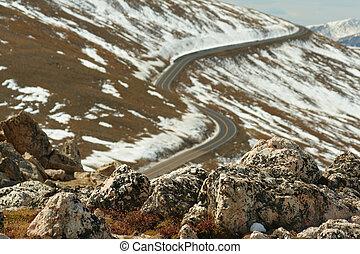 Trail Ridge Road, rocks
