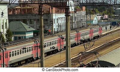 train, arrivée, banlieusard