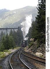 train, brouillard