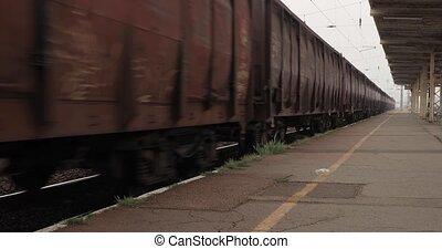 train, chariots, fret