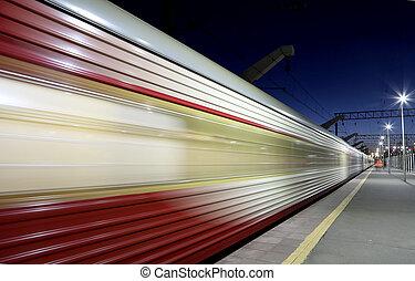 train grande vitesse, à, ternissure mouvement, extérieur, (against, les, sky)