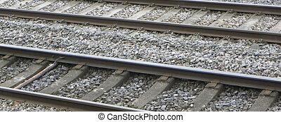 train traque