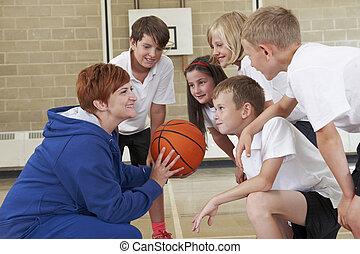trainer, geven, teambespreking, om te, basisschool, basketbal team