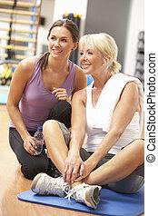 trainer, oefeningen,  Gym, vrouw,  Stretching