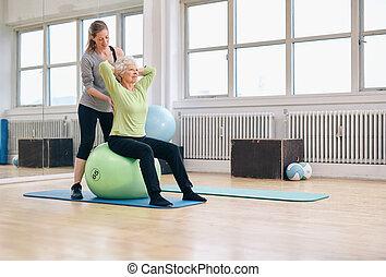 trainer, vrouw,  Gym, het uitoefenen, portie, vrouwlijk,  senior