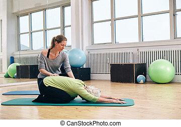 trainer, vrouw, yoga, portie, vrouwlijk, senior